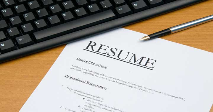 deciding whether or not to use resume builder resume software